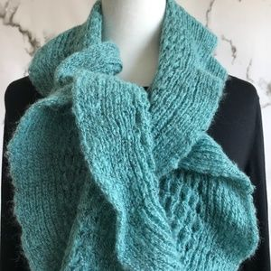 **Knit Scarf With Curly Edge Turquoise